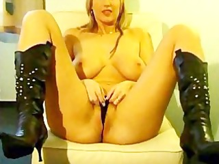 breasty blond cam body search