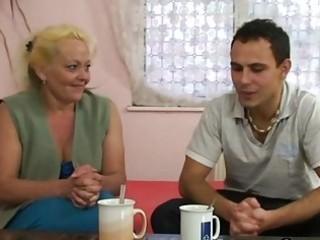 blonde granny receives her curly snatch slammed