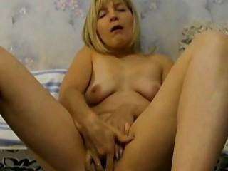 wife wears pants inside her cooch