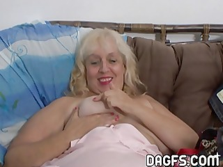 aunt rosa rubbing her obese cunt