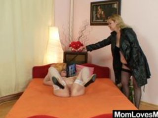 dilettante mamas fucking every other with a dildo