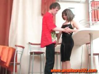 guy fucking allies mum