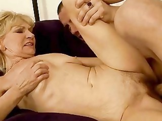 grandma enjoys hot sex with her youthful paramour