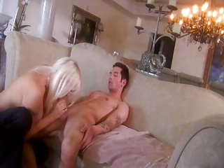 cougar d like to fuck - veronica vaughn