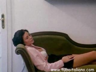 italian dark brown wife receives her fur pie