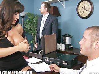 big-tit brunette d like to fuck lisa ann makes a