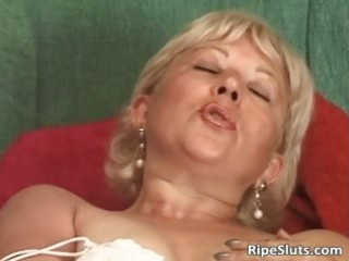 incredible solo act with horny mature part11
