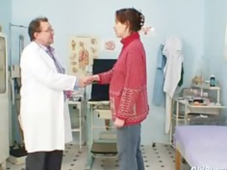 older non-professional wife at pervy gyno doctor