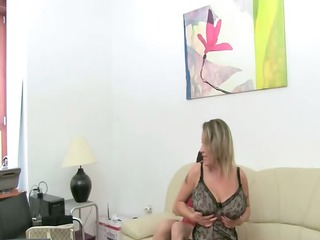 aged woman fuck on leather couch