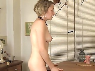 lonely d like to fuck copulates a table until she