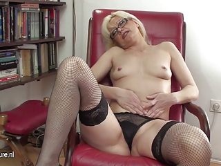 sexy d like to fuck librarian and her old wet