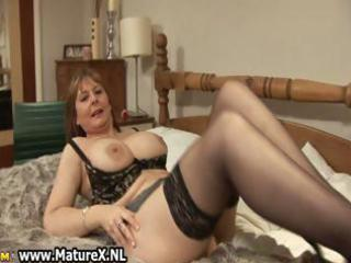 lustful mature wife in hawt underware likes part2