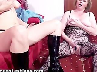 nasty housewife sucking hard on an huge part11