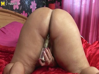 big plump mature wench mother doing herself