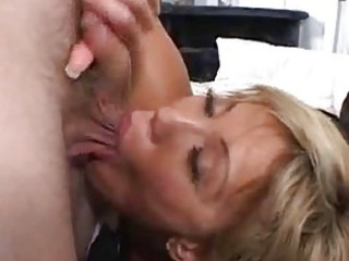 eager abode wife gets a facial