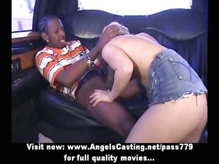 amazing hawt chick with blonde hair does oral job