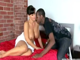 giant wobblers d like to fuck interracial - lisa