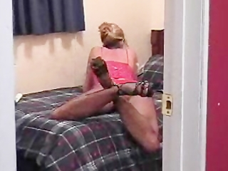 d like to fuck reads a porn magazine to begin her