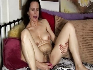 mature dilettante has a unshaved love tunnel