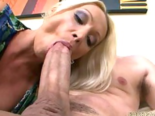 sexy euro mommy wamts some large american pounder