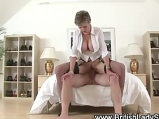 watch british lady sonia acquire a facial