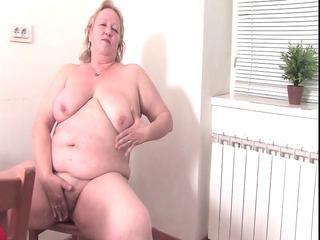 fat granny in the kitchen r33