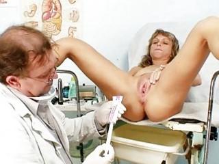 aged vladimira gets her wet crack properly gyno