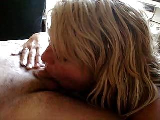 wife deepthroats