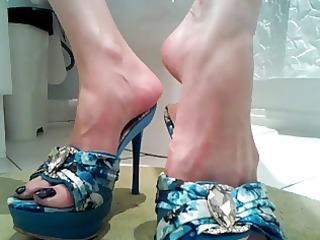 high heels lengthy dark toenails