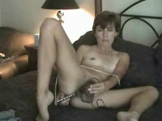 dilettante older unshaved milf mommy solo