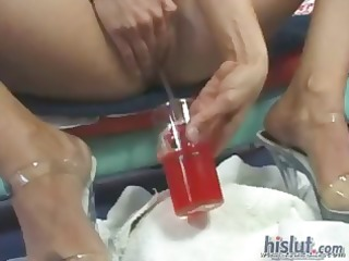 golden-haired sindy with a nice ass gets knobs