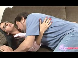 sleeping foxy anya receives licked and drilled