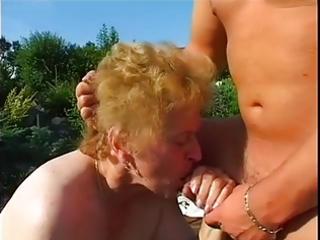 fat granny screwed in garden